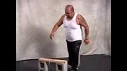 Дебел Нинджа се прави на каратист - много смях