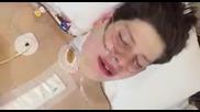 Eмоционален момент -15г. момче осъзнава, че е преживял операция на сърцето и ще бъде добре!