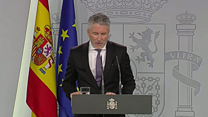 Spain: Int. minister calls out Catalonia leader for 'dragging his feet' in condemning violence
