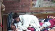 Силвия прави масаж