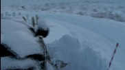 Land Rover разорава снега