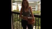 И Бриджит Мендлър се заля с ледената вода - Ice Bucket Challenge