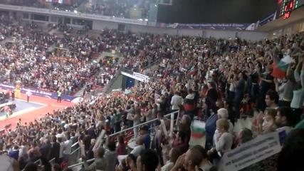 """Атмосферата в зала """" Арена Армеец """" след победата срещу Холандия с 3:2 гейма (11.10.2015)"""