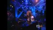 Avril Lavigne - Forgotten (Live)