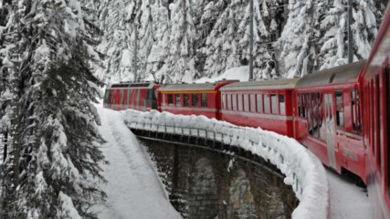 Защо да пътуваме с влак