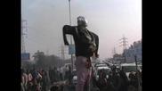 India: #DelhiStinks! Striking sanitation workers burn Delhi Minister effigy over delayed wages