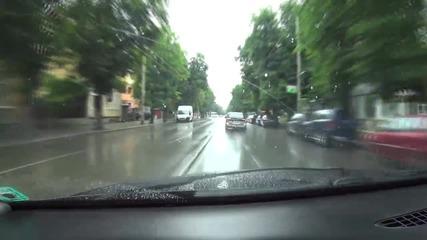Жена шофьор и учебна кола създават проблеми в Русе