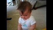 Смях!!!бебе плаче като чуе Michigan Fight Song
