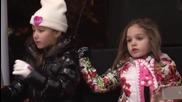 Крисия пее две песни в Димитровград на запалването на Коледната елха, 2014