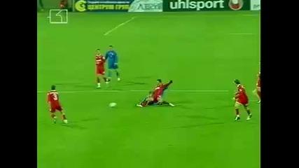 Левски 1 - 0 Динамо Букурещ.емил Ангелов вкарва в 93 минута