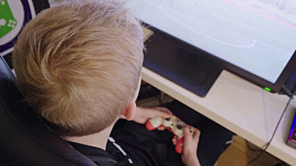 Meet the Danish 14-y/o unbeatable on FIFA but barred from online big leagues due to age