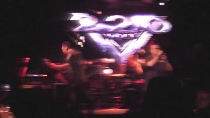 220 Volt - Burning Heart