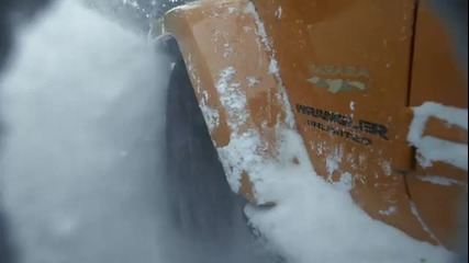 Jeep Wrangler vs снежна лавина