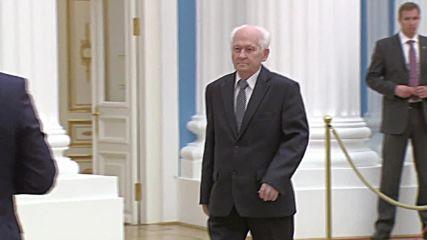 Russia: Putin presents five Hero of Labour awards at the Kremlin
