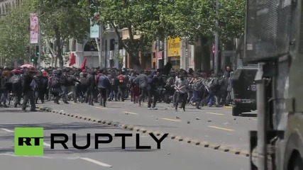 Chile: Students clash with police at CONFECH rally in Santiago