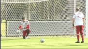 Вратарите на Испания тренираха с резервите