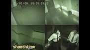 Призрак заснет на охранителна камера в асансьор.