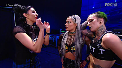 Billie Kay books Liv Morgan & Ruby Riott's tickets to Royal Rumble: SmackDown, Jan. 22, 2021