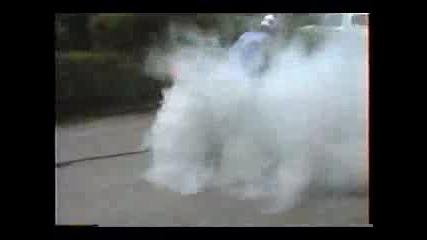 Yamaha R1 Burnout