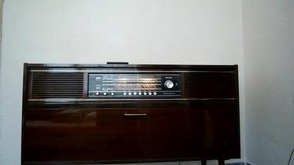 Реставриран: Ретро Лампов Стерео Радиоприемник с Грамофон Grundig Mandello E/st