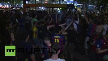 Феновете на Барселона празнуват победата в Берлин