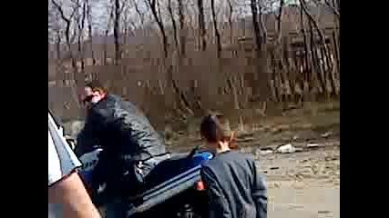 Откриване на мото сезон София 2010 - един пистак подгрява гумите