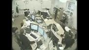 Жесток Бой В Офис Между Колеги