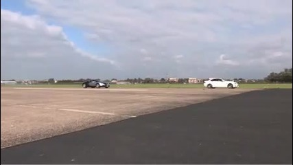 Bugatti Veyron vs Bmw M3 in Drag race
