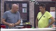 Иво и Здравко готвят зеле