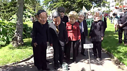 UK: 'G7 leaders' pass the 'climate action' bucket in Cornwall XR rally