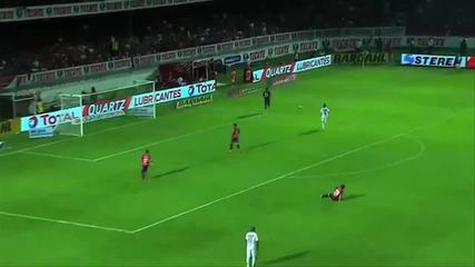 Страхотен триков пас на Роналдиньо