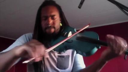 Музикант свири Dark Horse(katy Perry) на виола