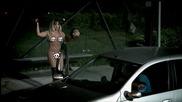 Гола блондинка стопаджийка - Луда бразилска скрита камера