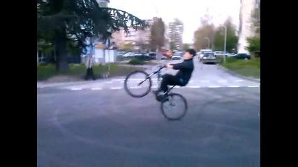 mtb wheelie oт Varna mall до Varna Towers :)