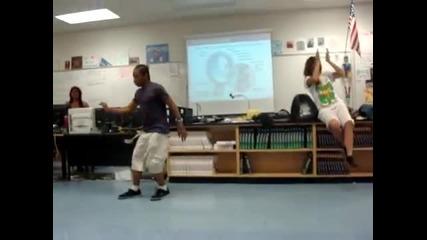 Fik-shun dance in school   Fik-shun танцува в училище