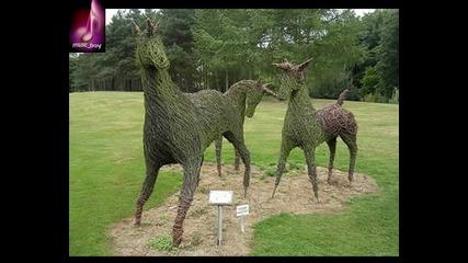 10 удивителни скулптури от трева