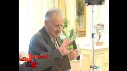 Kак се държи микрофон - смях .. !!