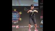 Японче показва как се играе с Yoyo !!!