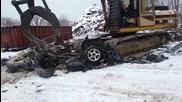 Машина унищожава рядък модел на Dodge.