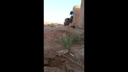 Сирийски Войник Изигра Снайперист От Даеш По Уникален Начин И Оцеля!