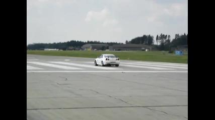 Nissan Skyline vs. Yamaha R1