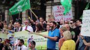 Ireland: Gerry Adams joins protest against Apple tax break