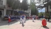 Векикденски поздрав от Литаковски танцов състав.