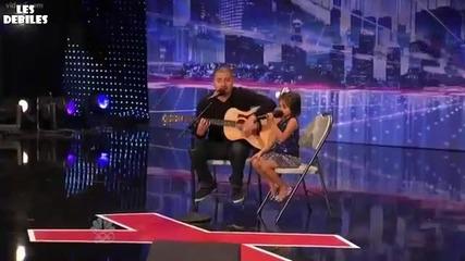 Малко момиче вдигна цялата публика на крака - Америка Търси Талант