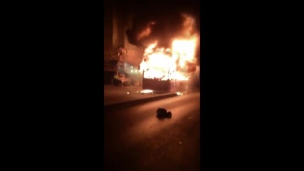 Turkey: Istanbul protesters set bus alight during clashes
