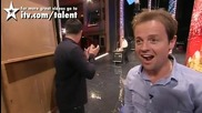 Изумителен човек гълта разни неща - Britain's Got Talent