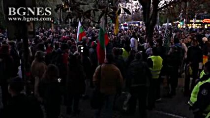 """Протестиращи срещу зеления сертификат блокираха """"Орлов мост"""""""