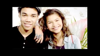 Zendaya is inlove with a zombie