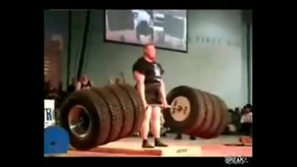 8 гуми - хайде вдигни ги - Най - силния мъж в света