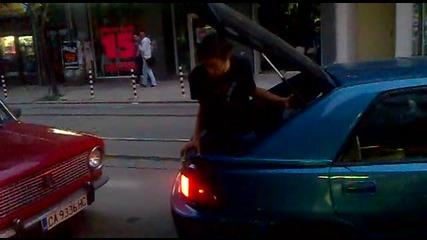 Последен модел парктроник 2011 смях на попа 2